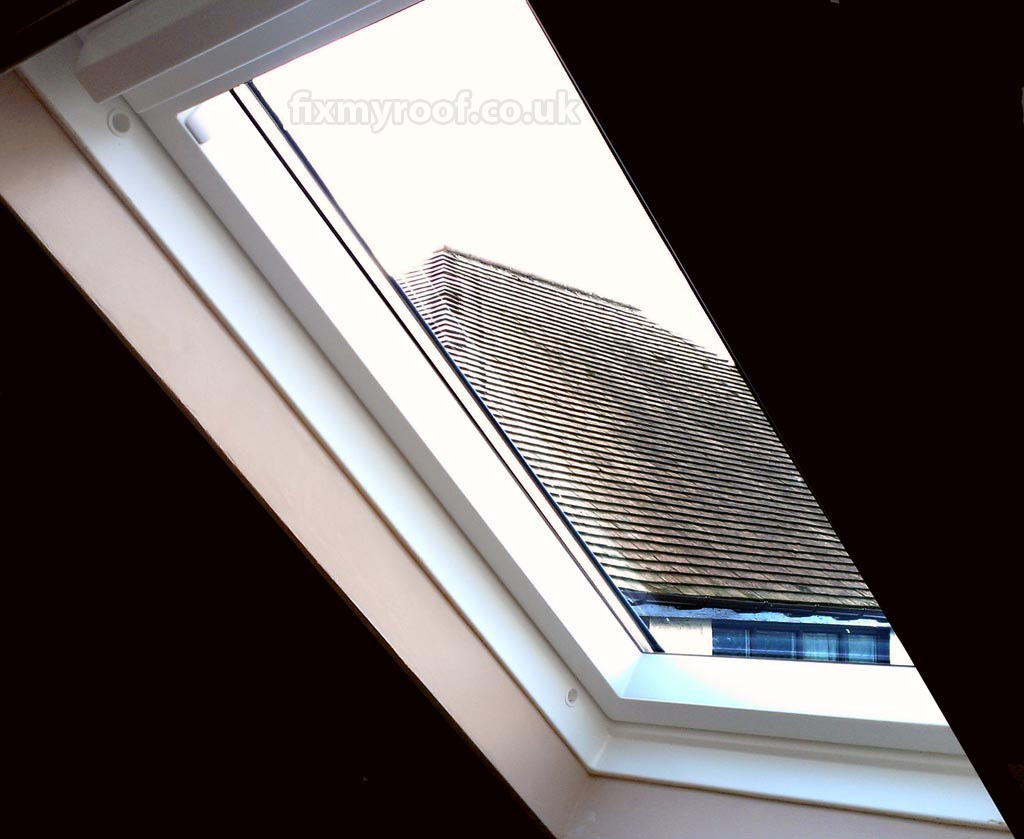 Velux roof windows everything you need to know and how for Velux glass